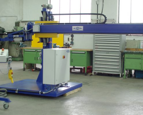 Grinding machine with bending head for the internal processing of weld seam armour on pipe bends (RBS)