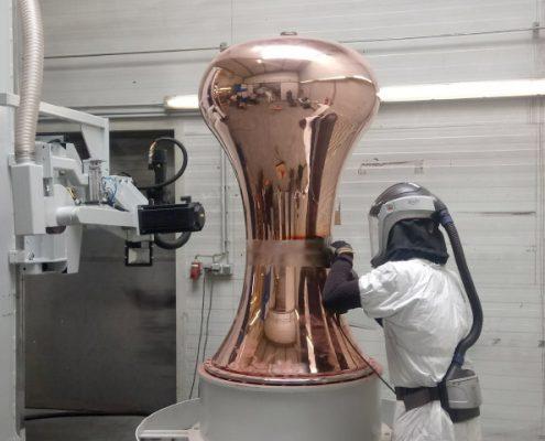 Bandschleifmaschine mit Drehvorrichtung zum Bearbeiten von Einzelkomponenten für die Destillenherstellung (BSA-2000-1K-BDV) Apparate & Behälterbau