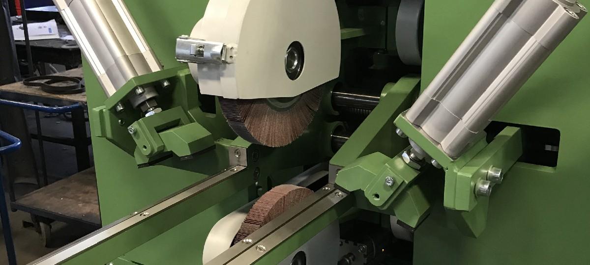 Schleifmaschine zur axialen Schweißnahtbearbeitung an Dünnblech-Rohrschüssen im Automatikzyklus (SM-AR-750) Apparate & Behälterbau Schweißnaht Nachbearbeitung