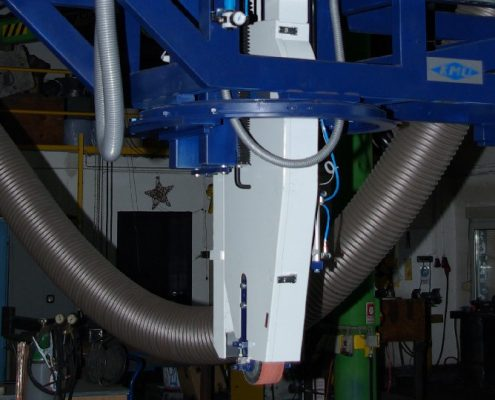 Bandschleifmaschine mit Drehvorrichtung zum Bearbeiten von Kesselböden (BöSM-4000) Bödenherstellung Schweißnaht Vorbereitung Apparate & Behälterbau