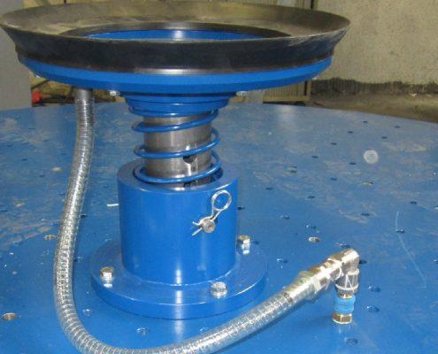 Bandschleifmaschine mit Drehvorrichtung zum Bearbeiten von Kesselböden (BöSM-4500) Bödenherstellung Flächenbearbeitung