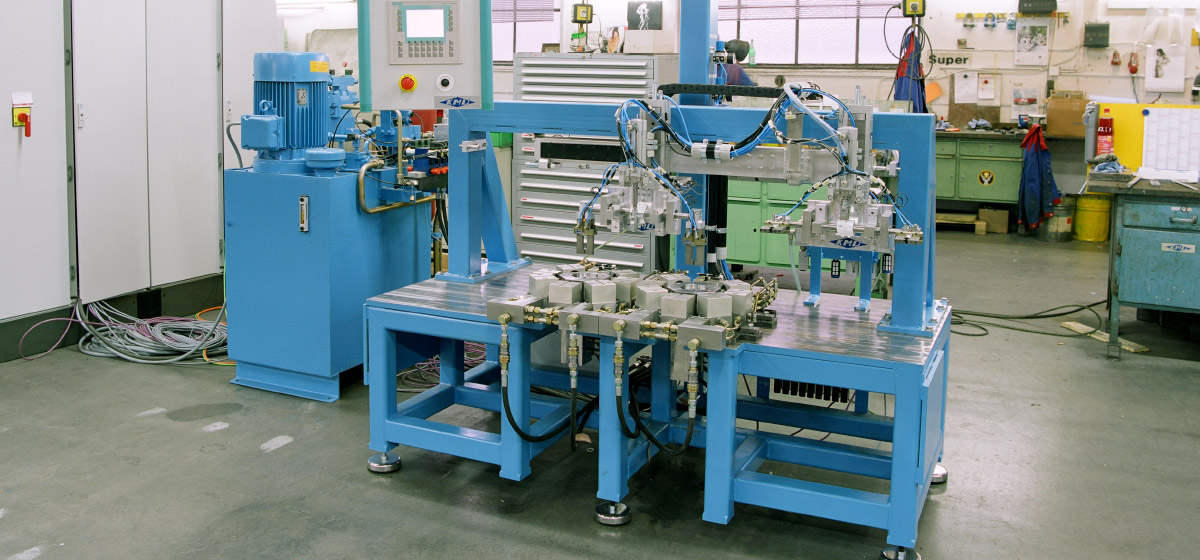 Punching machine for small air bag parts from the automotive industry (StA-8Hy-Pn)