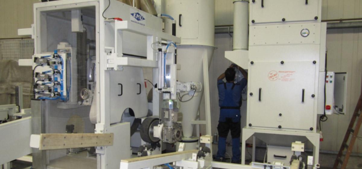 Bandschleifmaschine zum Bearbeiten von Mantelflächen an konischen und abgesetzten zylindrischen Rohren (Lichtmasten) (RSM-A 250) Branchenunabhängige Lösungen Rohrbearbeitung