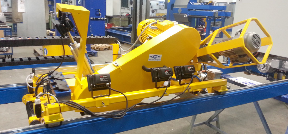 Mobile and steerable belt grinding machine with swivelling grinding head, remote control for weld seam processing on the inside of wind turbine blades (RFSM – 2000)