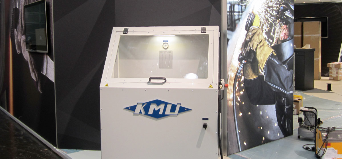 Bandschleifmaschine zur Stirnflächenbearbeitung an Prüflingen (BSM-50-1500) Branchenunabhängige Lösungen