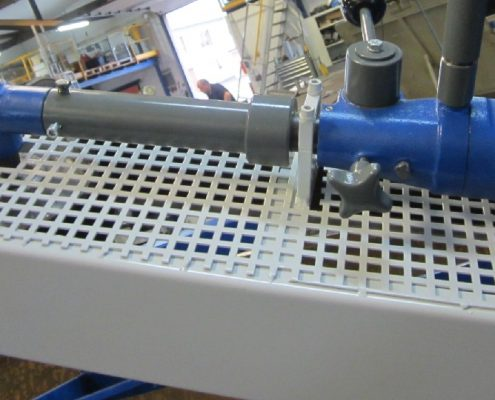 Hand-operated, mobile belt grinding machine for the internal processing of edges and chamfers on boiler bottoms (KF II – 2000)