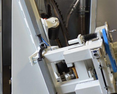 Maschine mit Planetenkopf zum Entgraten und Reinigen von Bremsscheiben für den Schienenverkehr (BREM-330) Schienen & Fahrzeugtechnik