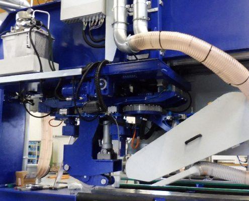 Portalbandschleifanlage zum Bearbeiten von Schweißnähten an Blechtafeln mit hydraulischer Rolliereinheit, Doppelschleifkopf und automatischem Nahtfolgesystem (BG-LSB-13) Schweißnaht Nachbearbeitung