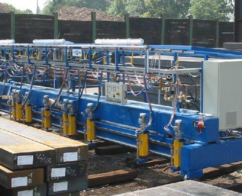 Brennschneidanlage in Portalausführung mit 15 Brennern zum Bearbeiten von Brammen (BM-15-S) Walzwerktechnik