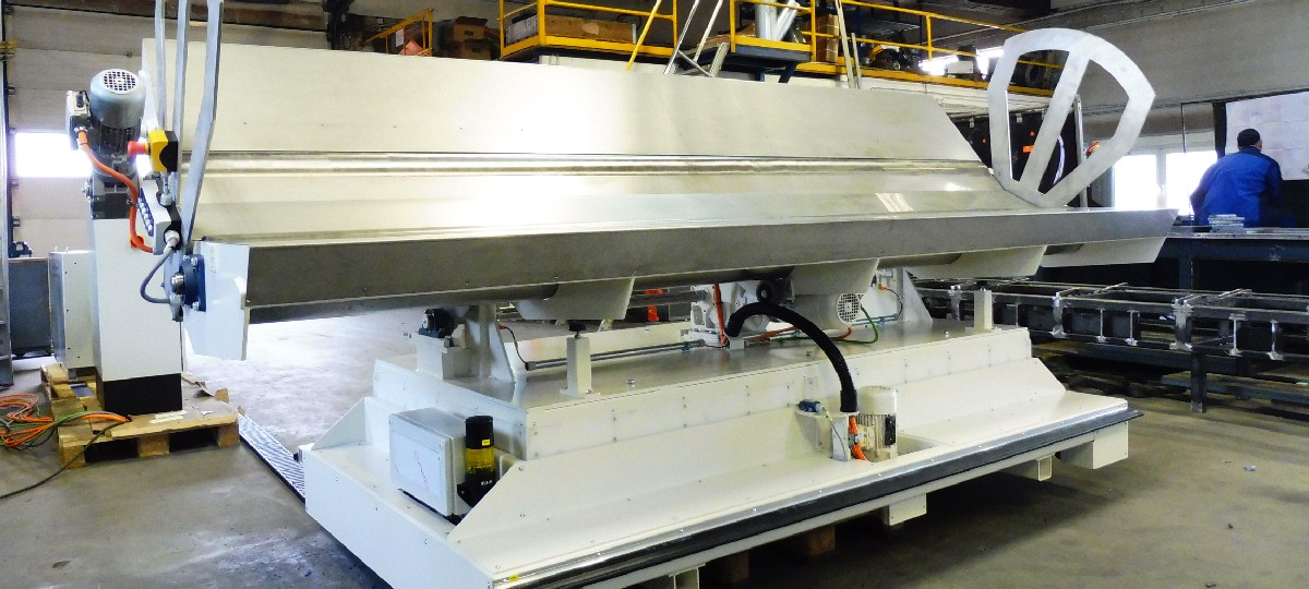Mobile tilting table for fleece cloth bales (KTV – 600)